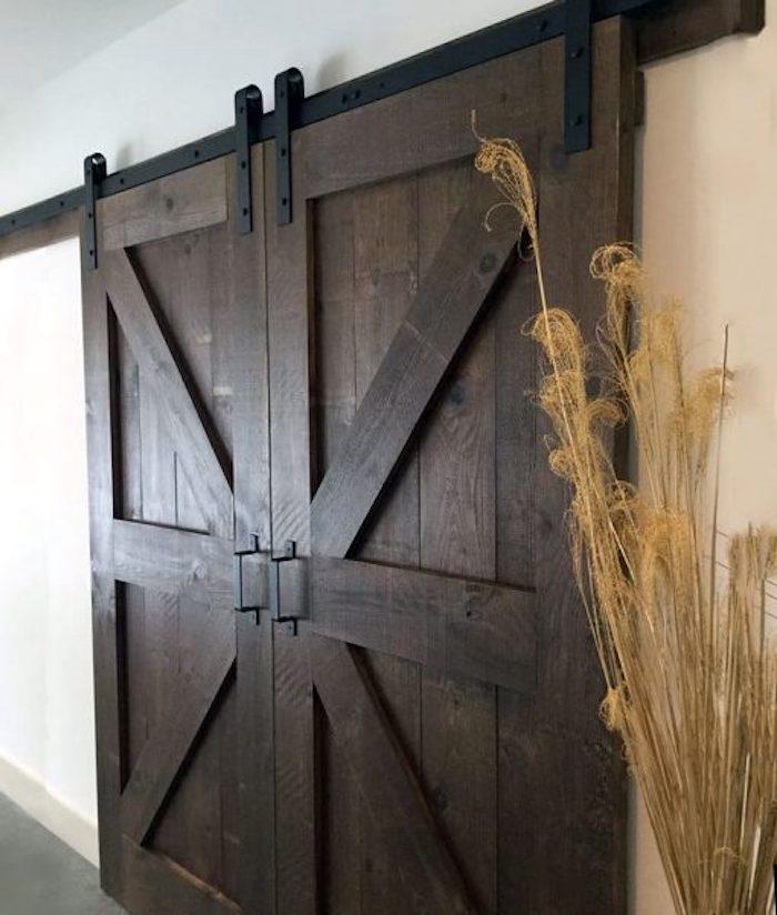 25 Примеров раздвижной двери в современных интерьерах