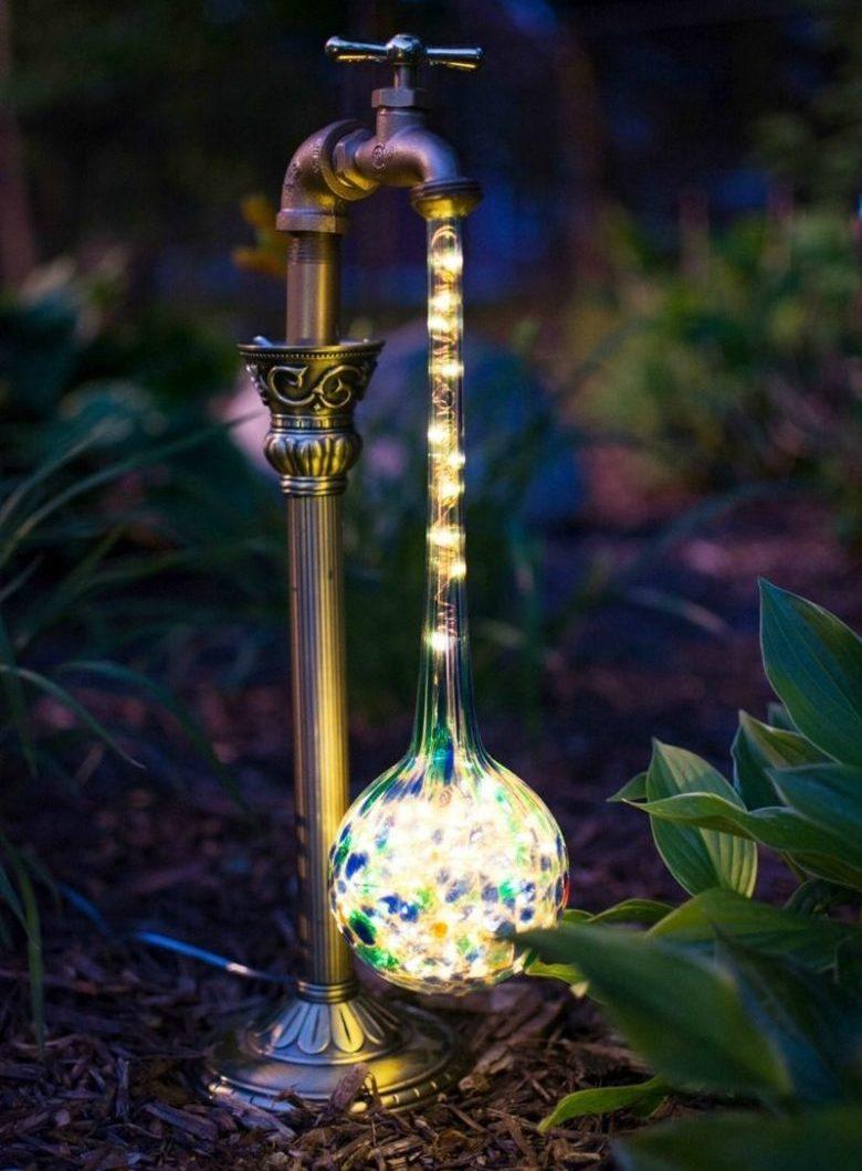 18 Потрясающих примеров садового освещения
