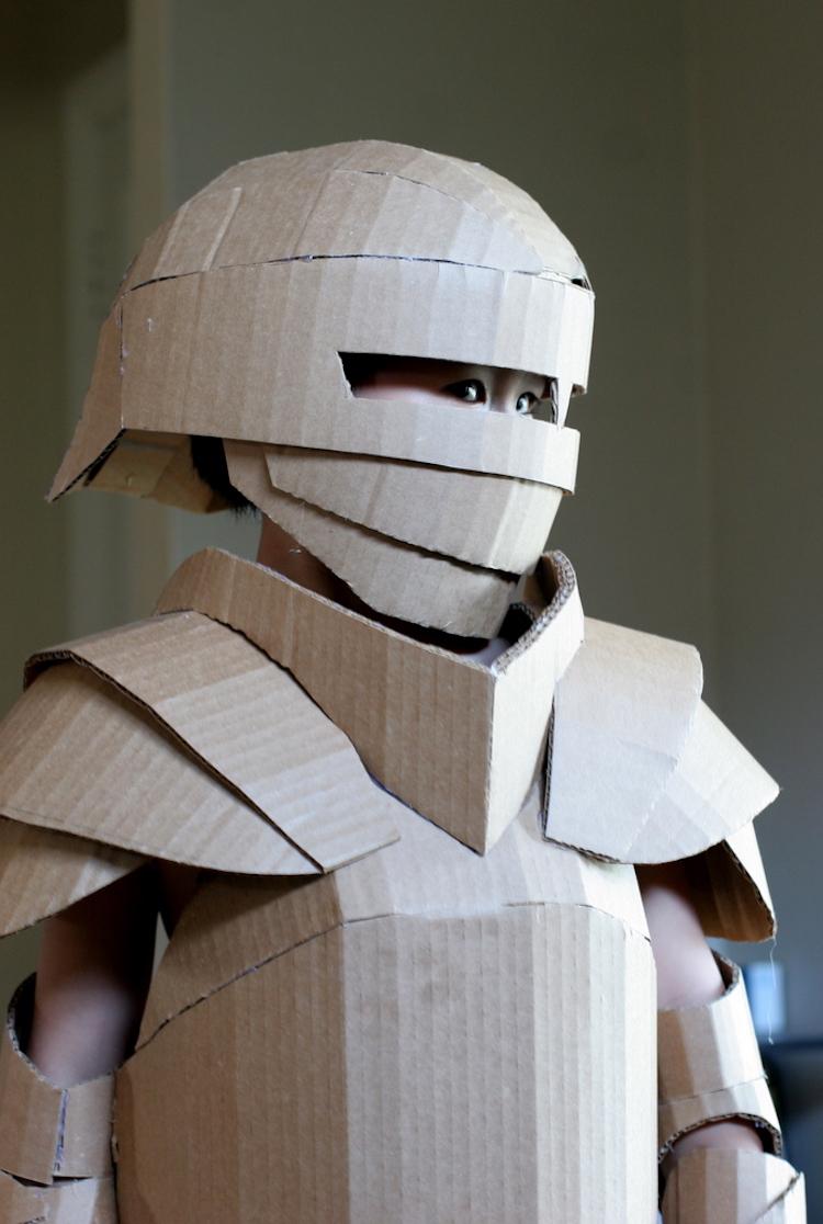 Фантастические рыцарские доспехи из картона