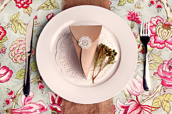 Кусочек торта из бумаги {Идеи к свадьбе}