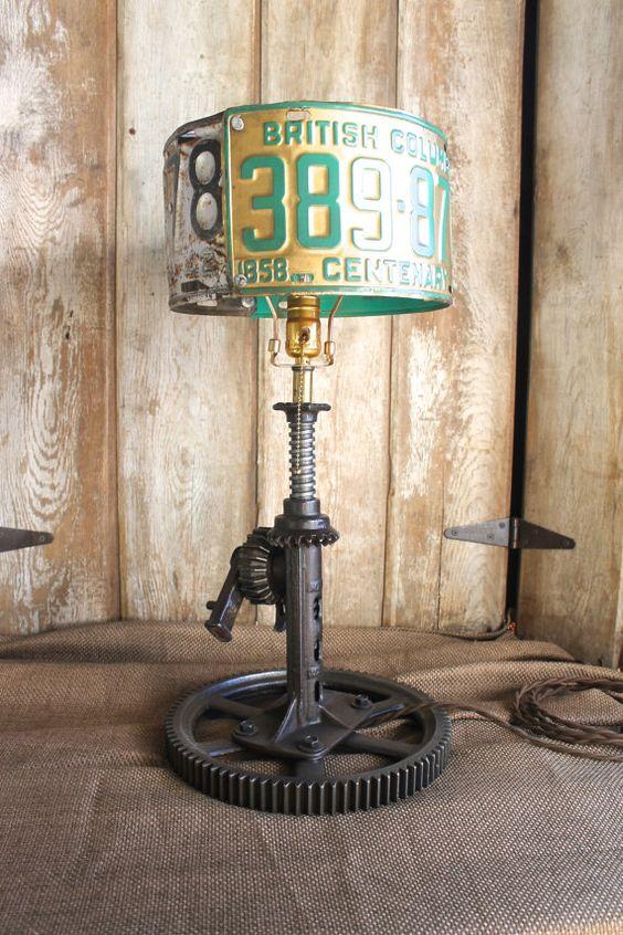 33 Потрясающих светильника из старых запчастей