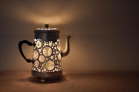Лампа из старого чайника