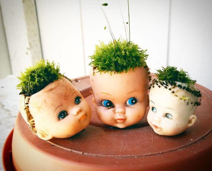 20 Жутких кашпо из кукол