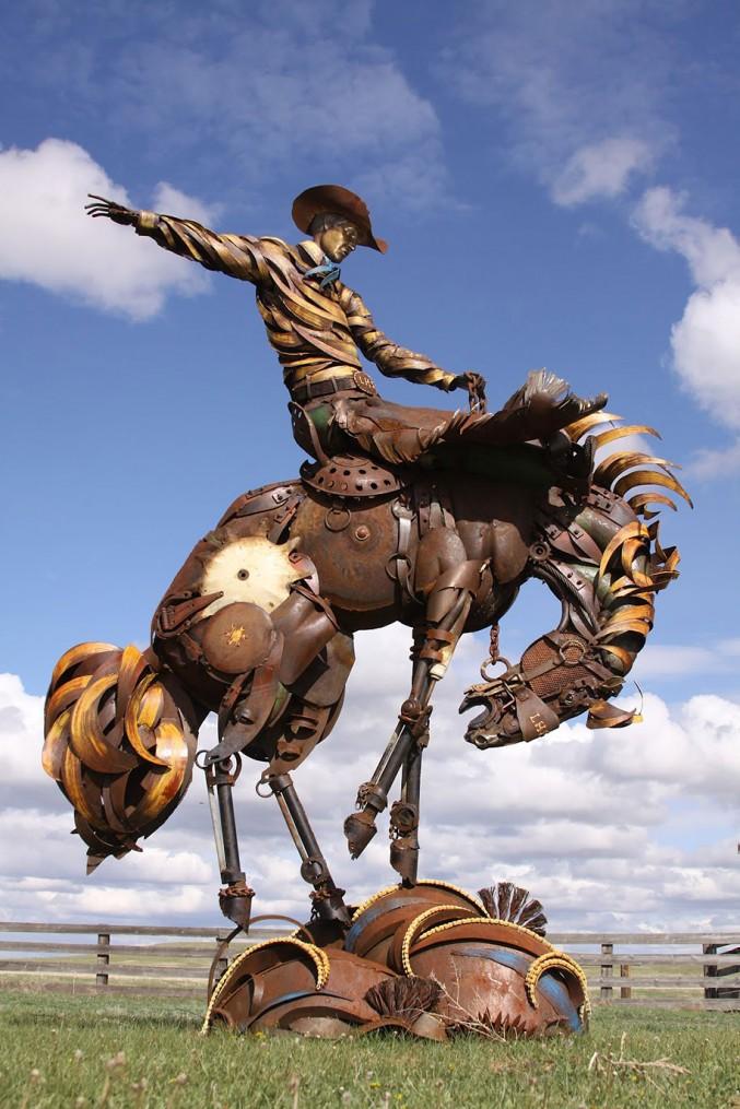 Впечатляющи скульптуры животных из металлолома