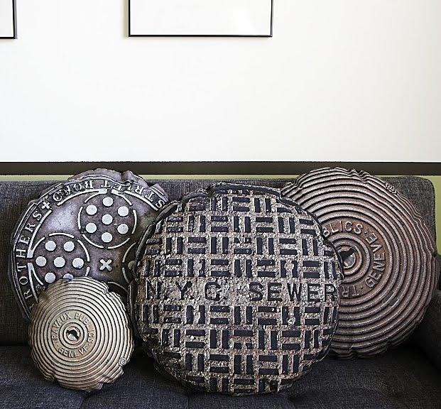 Необычные подушки в стиле крышки люка