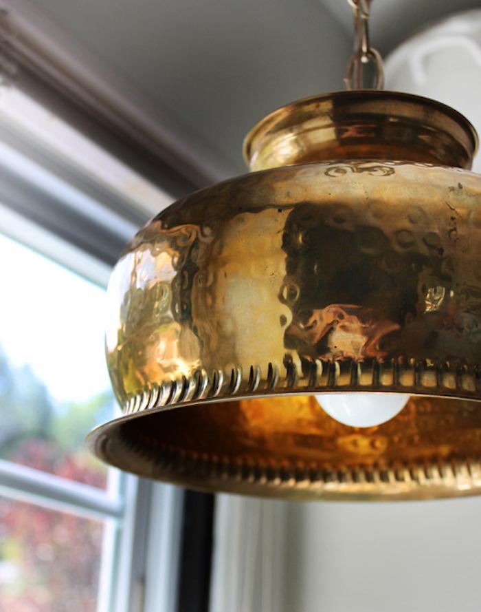 20 Винтажных вещей, из которых делают потрясающие светильники