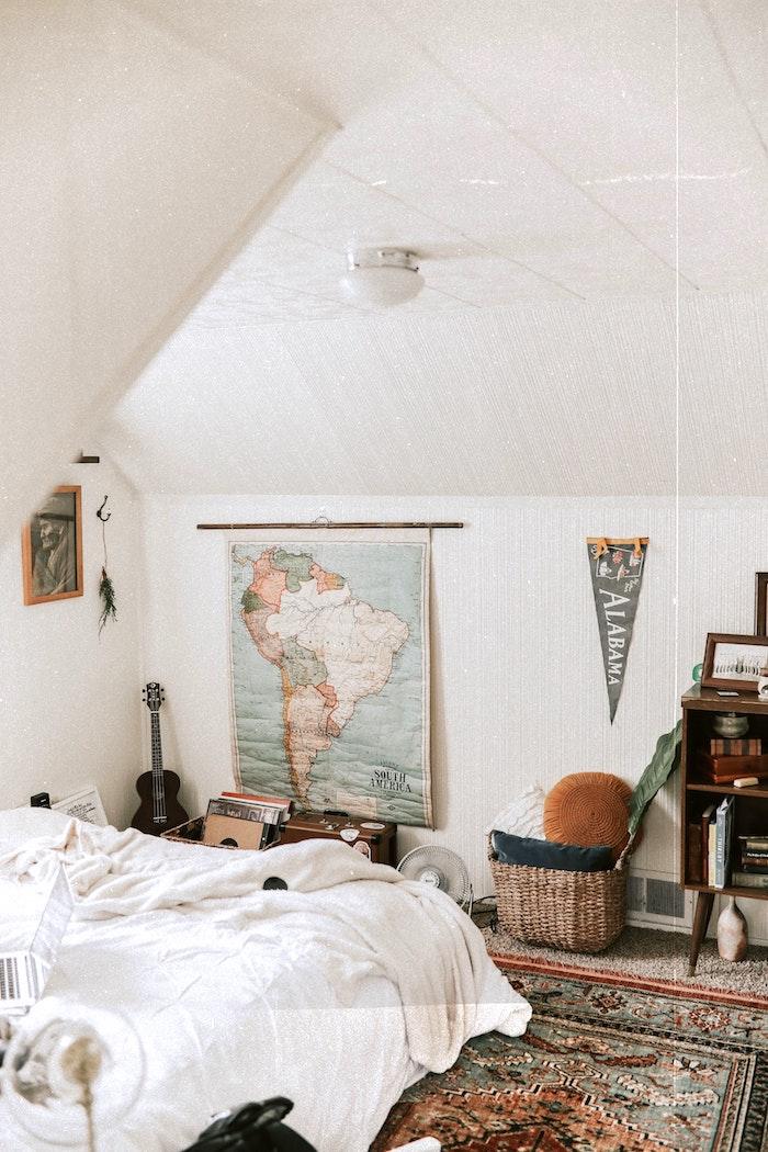 13 ненужных вещей в спальне