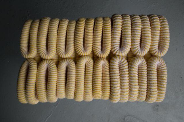 Вязанные табуретки